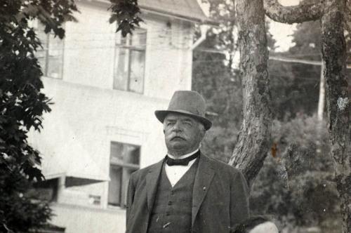 """Kronolänsman Adolf Blombergsson, som föredrog att stanna hemma och """"samordna""""."""