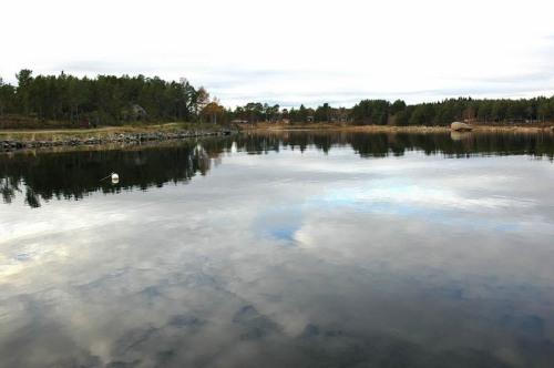Här, i Klasvikens hamn, planerade Syrabruk AB sin fabrik år 1951. 1978 föreslogs att göra en småbåtshamn med gästplatser här. 1981 föreslogs att omedelbart rusta upp det sista kulturminnesvärda